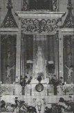 Ołtarz boczny z figurą Matki Bożej Różańcowej